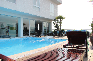 Swimming Pool 16